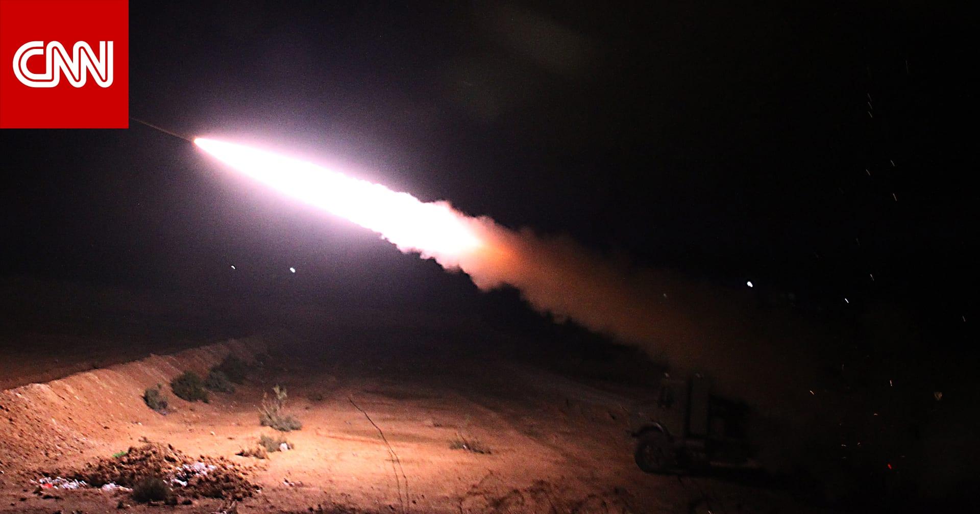 قصف صاروخي على قاعدة لقوات أمريكية في نطاق حقل العمر النفطي شرق سوريا