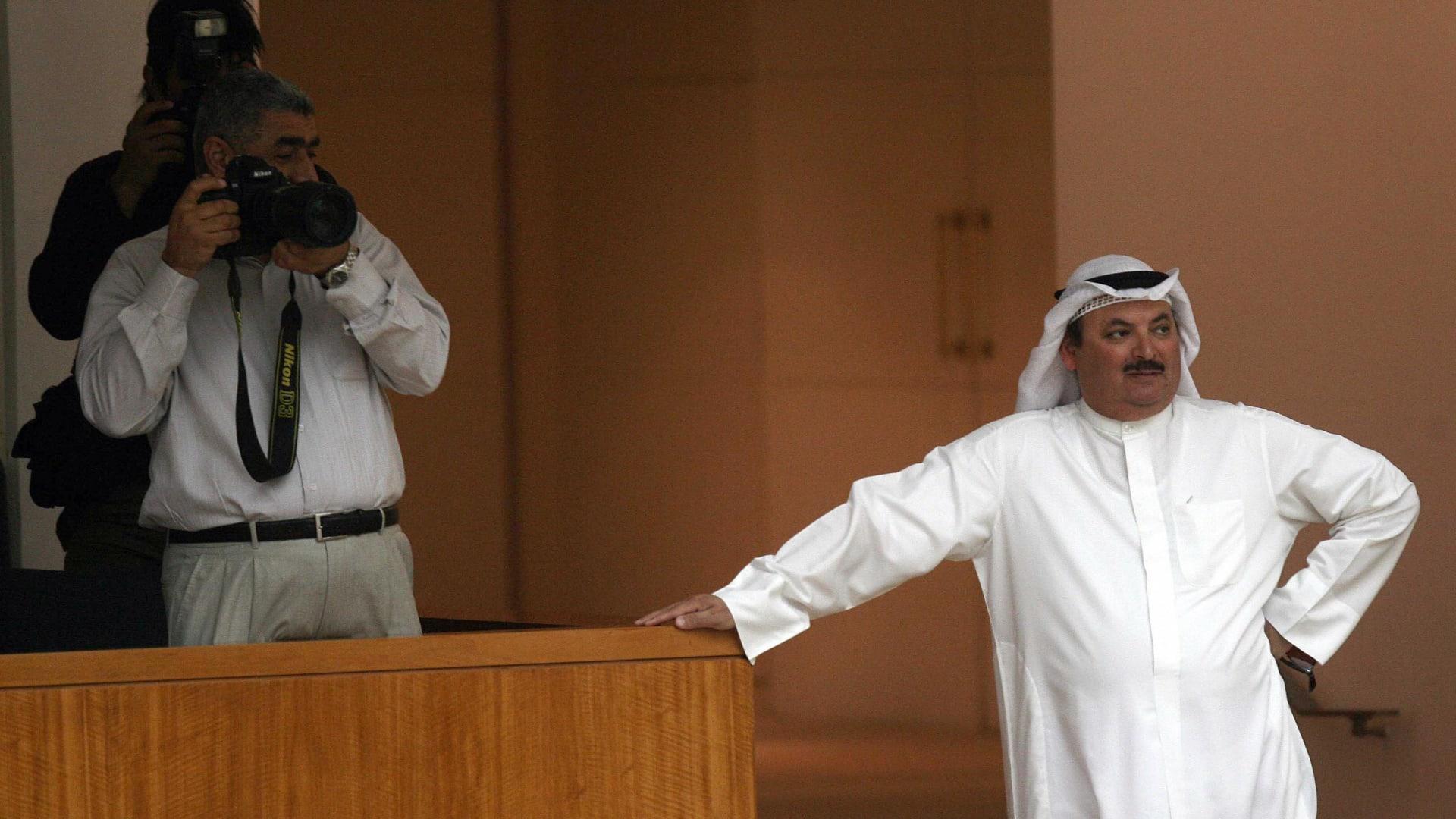 صورة أرشيفية لناصر الدويلة في مجلس الأمة الكويتي عام 2008 حينما كان نائبا