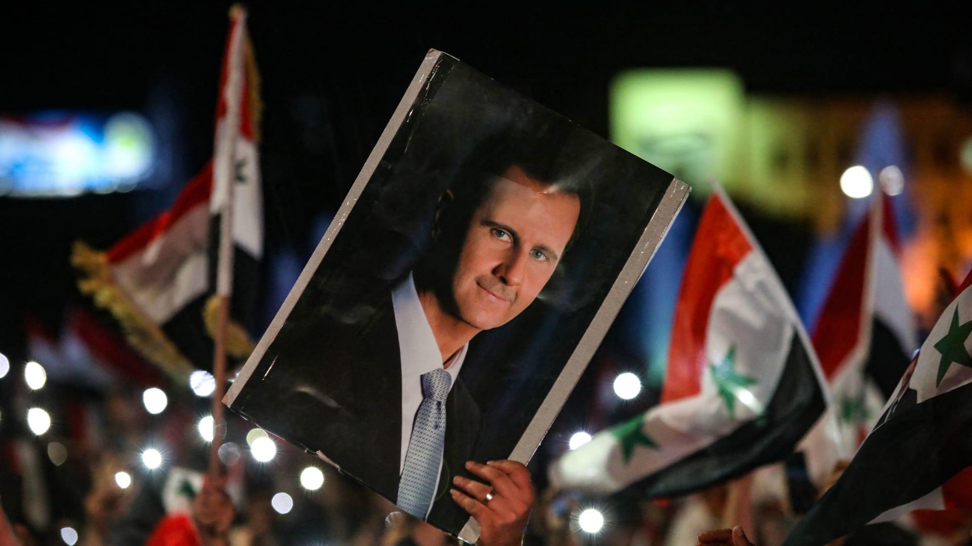سوريا.. الأسد يصدر مرسوما برفع الأجور بنسبة 50% وزيادة الحد الأدنى لها