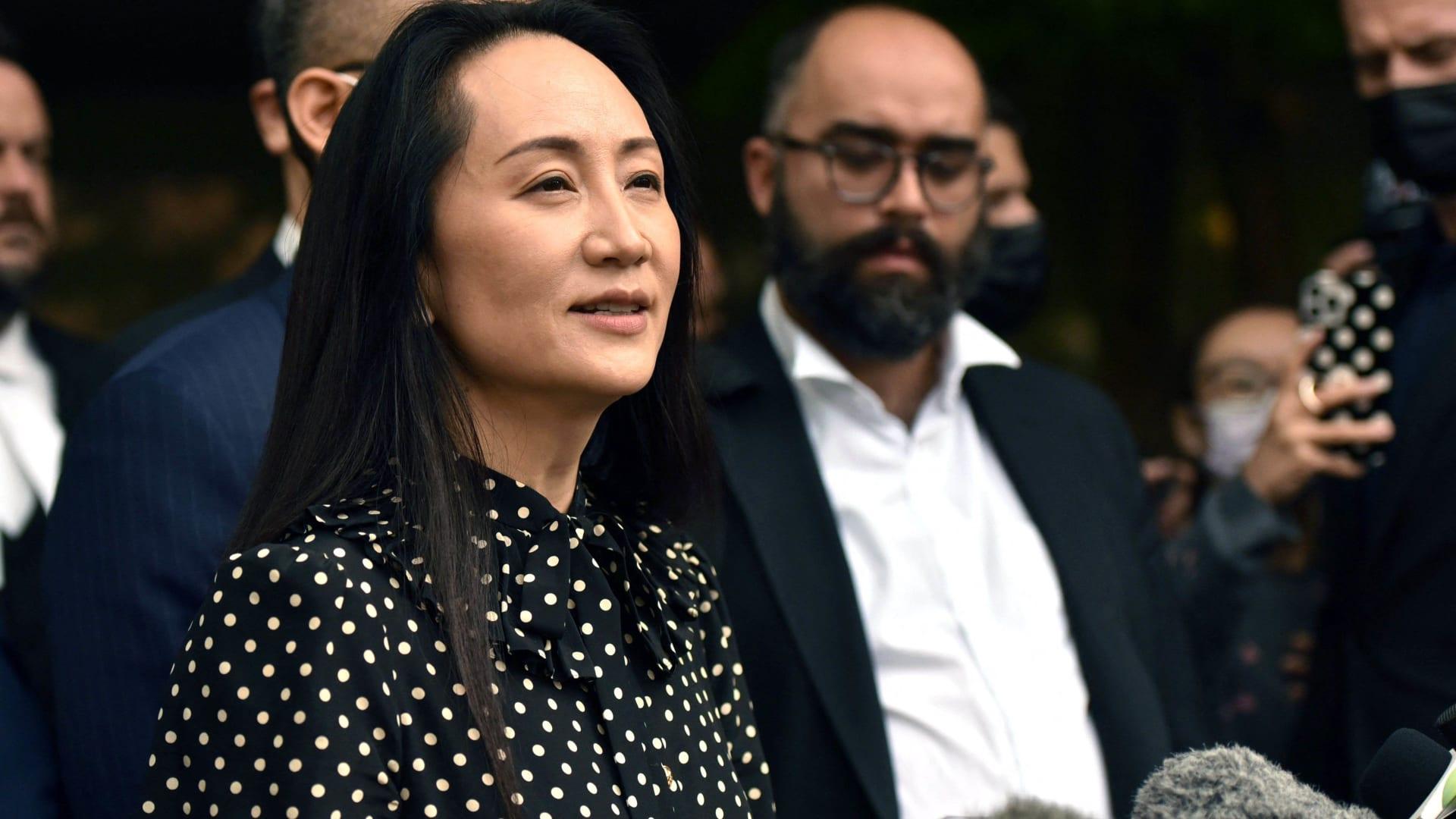 """كندا تطلق سراح """"أميرة هواوي"""".. والصين تفرج عن كنديين تحتجزهما منذ 3 سنوات"""