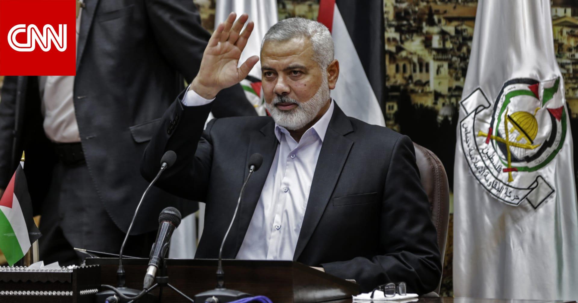 إسماعيل هنية يلتقي أمير قطر ويناقش معه إعادة إعمار غزة