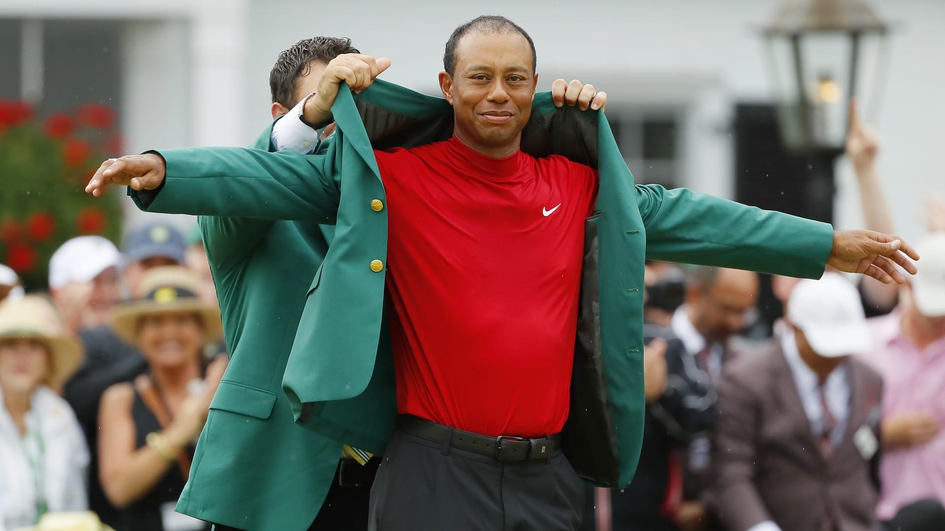 """ما هي """"السترة الخضراء"""" التي يرغب لاعبون الغولف الفوز بشدة بها؟"""