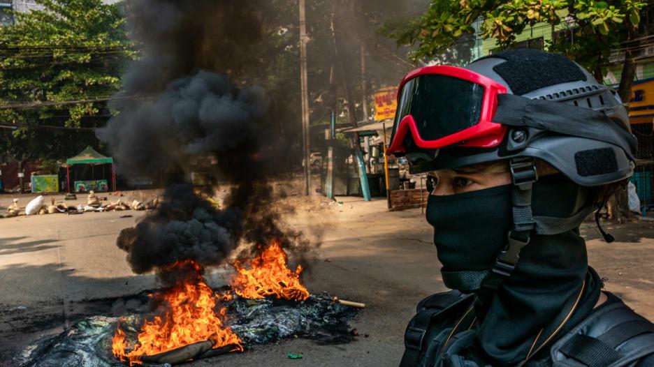 """يوم القوات المسلحة في ميانمار يتحول إلى """"حمام دم"""""""