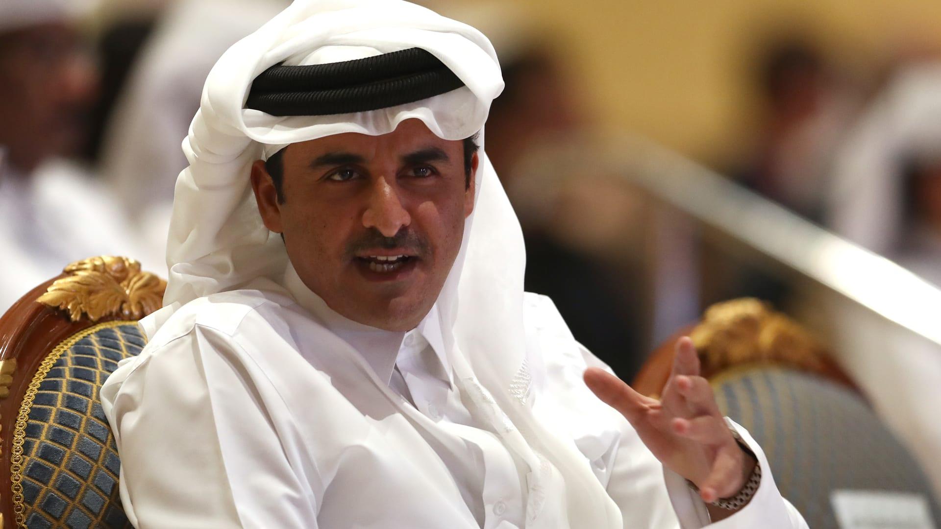 أمير قطر يحدد موعد أول انتخابات لمجلس الشورى.. ورئيس الوزراء: القطريون متساوون