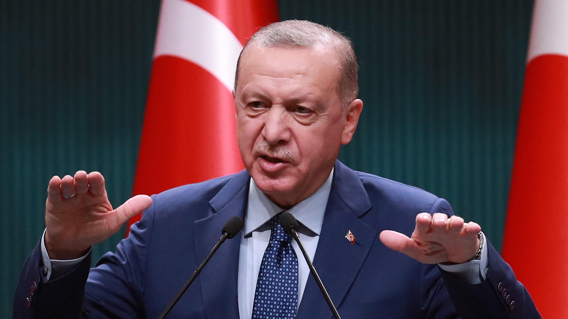 أردوغان يعلق على المشادة الكلامية بين وزيري خارجية تركيا واليونان ويؤكد: أثينا تُعين المفتي