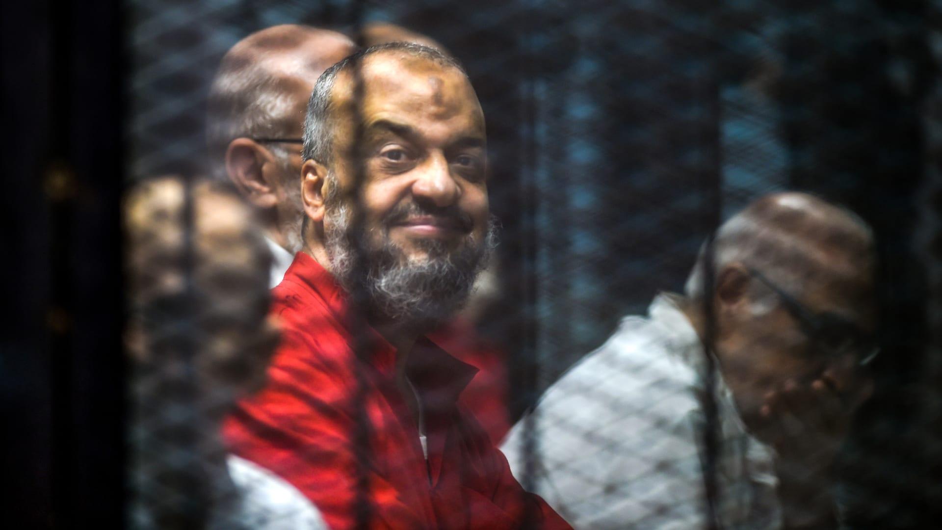 """جماعة الإخوان تطالب بوقف تنفيذ أحكام """"فض رابعة"""": انتقامية وخالية من العدالة"""