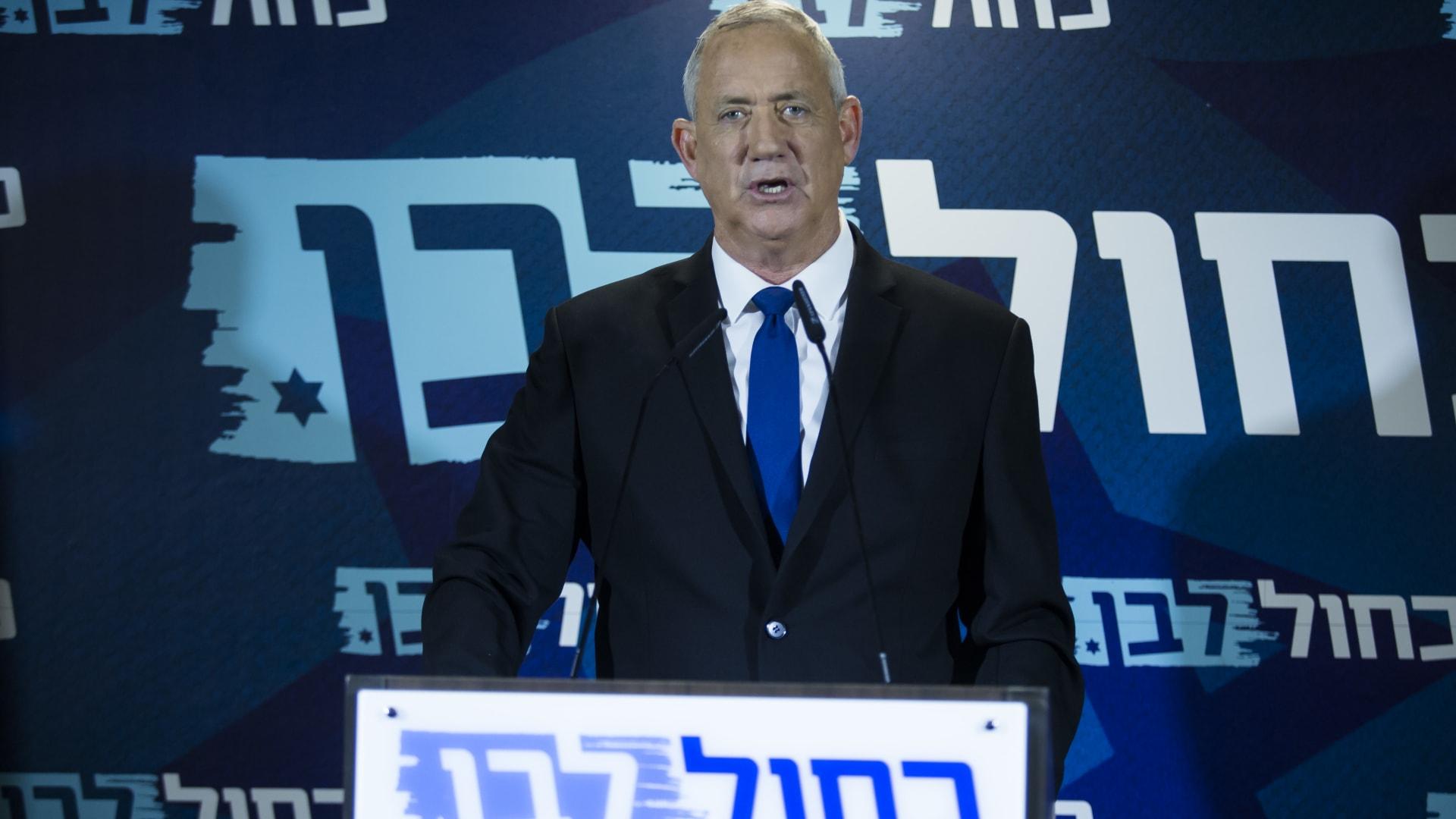 بوريس جونسون يهدد إيران بتحمل عواقب الهجوم على الناقلة الإسرائيلية