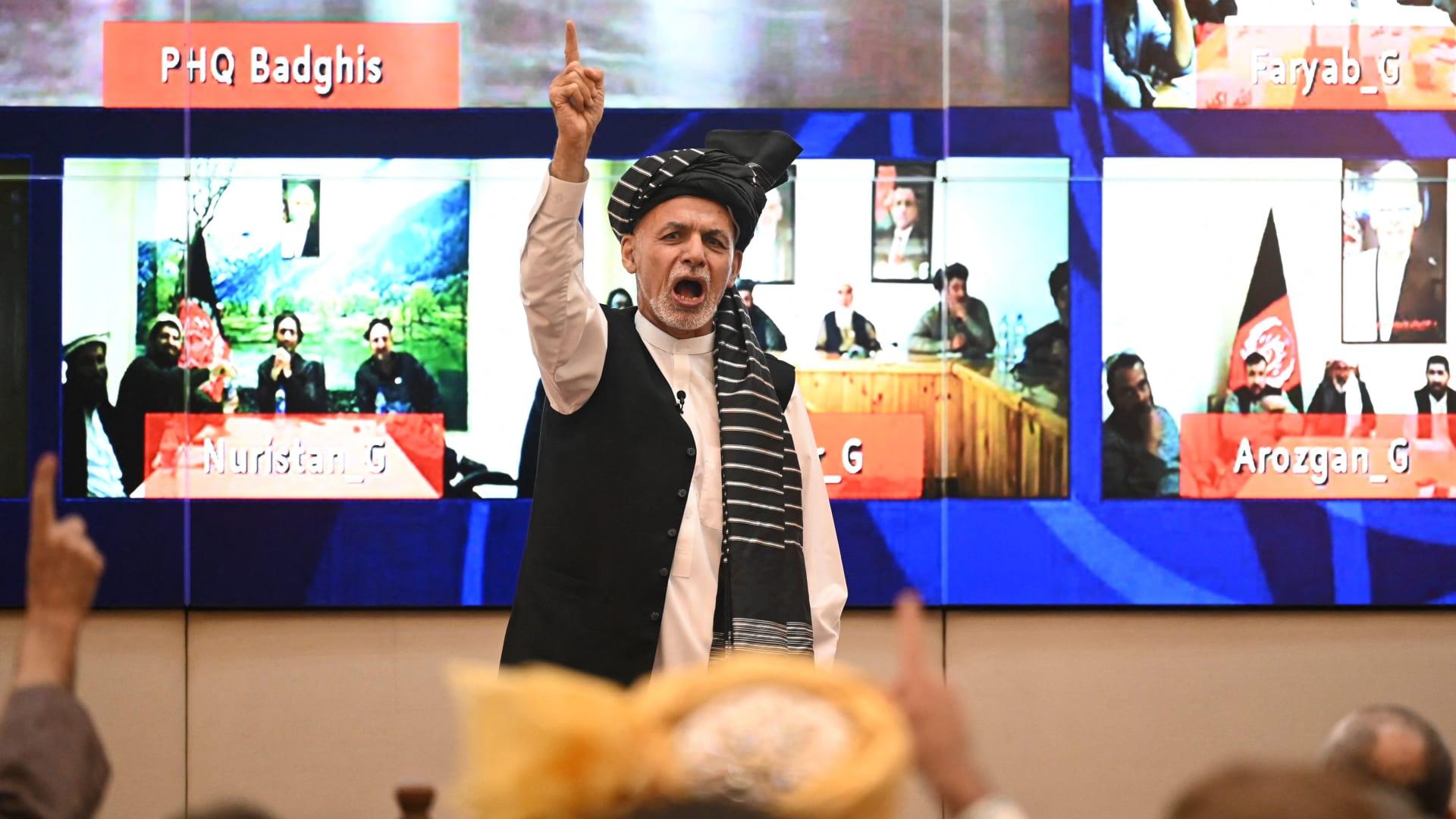 ليلة سقوط كابول.. مصدر يكشف لـCNN تفاصيل اللحظات الأخيرة وما طلبته أمريكا وطالبان من غني