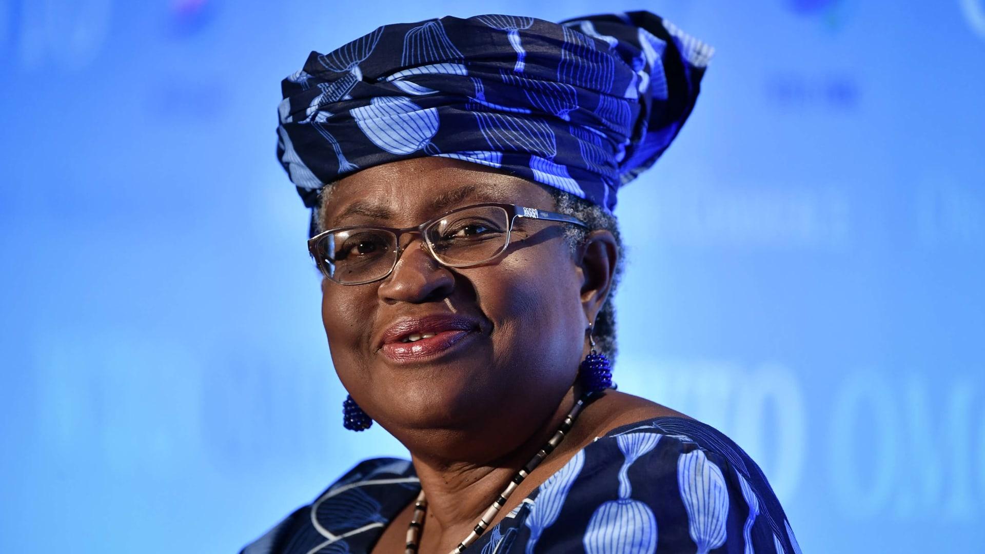النيجيرية نغوزي أوكونجو إيويالا أول امرأة وأفريقية تترأس منظمة التجارة العالمية