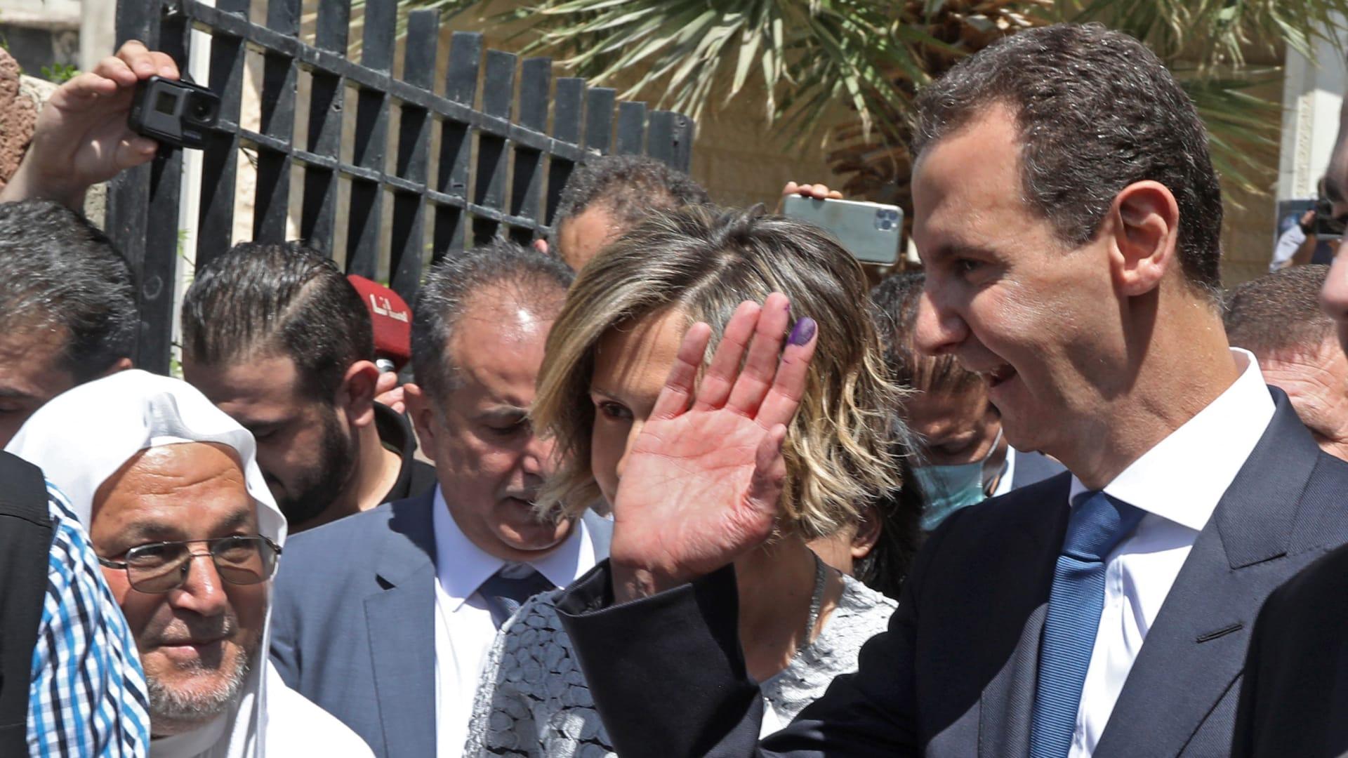 سجال بين أمير سعودي وإعلامي لبناني حول إعادة انتخاب بشار الأسد والديمقراطية