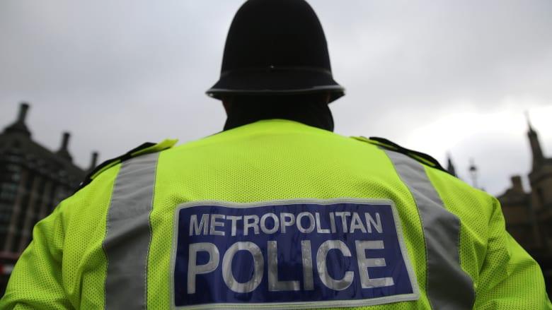 صورة ارشيفية لعنصر بالشرطة البريطانية