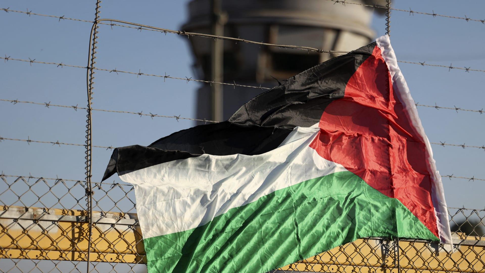 شاهد النفق الذي استخدمه 6 فلسطينيين للهرب من سجن إسرائيلي