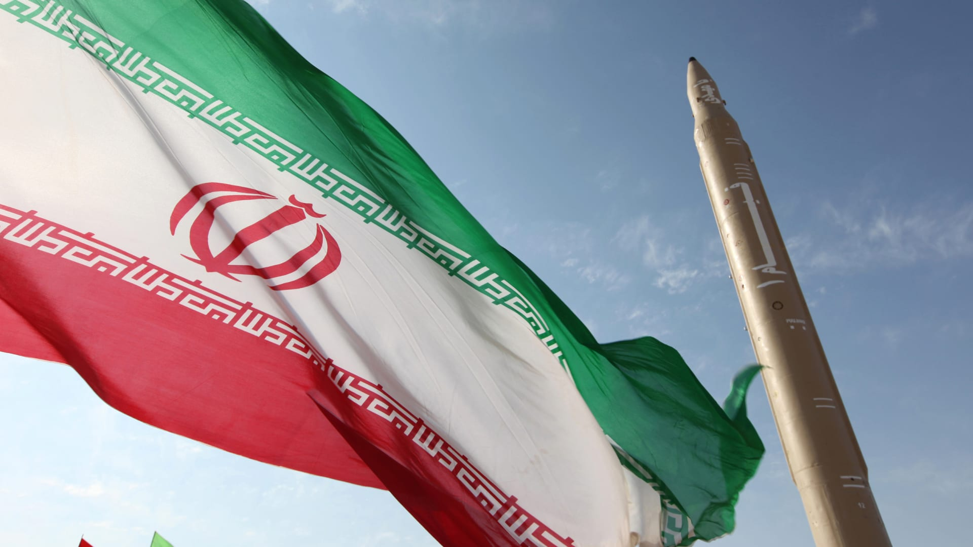 """إيران تحذر من """"مغامرة"""" ضدها وتصف اتهامها باتسهداف الناقلة بـ""""التهمة الواهية"""""""