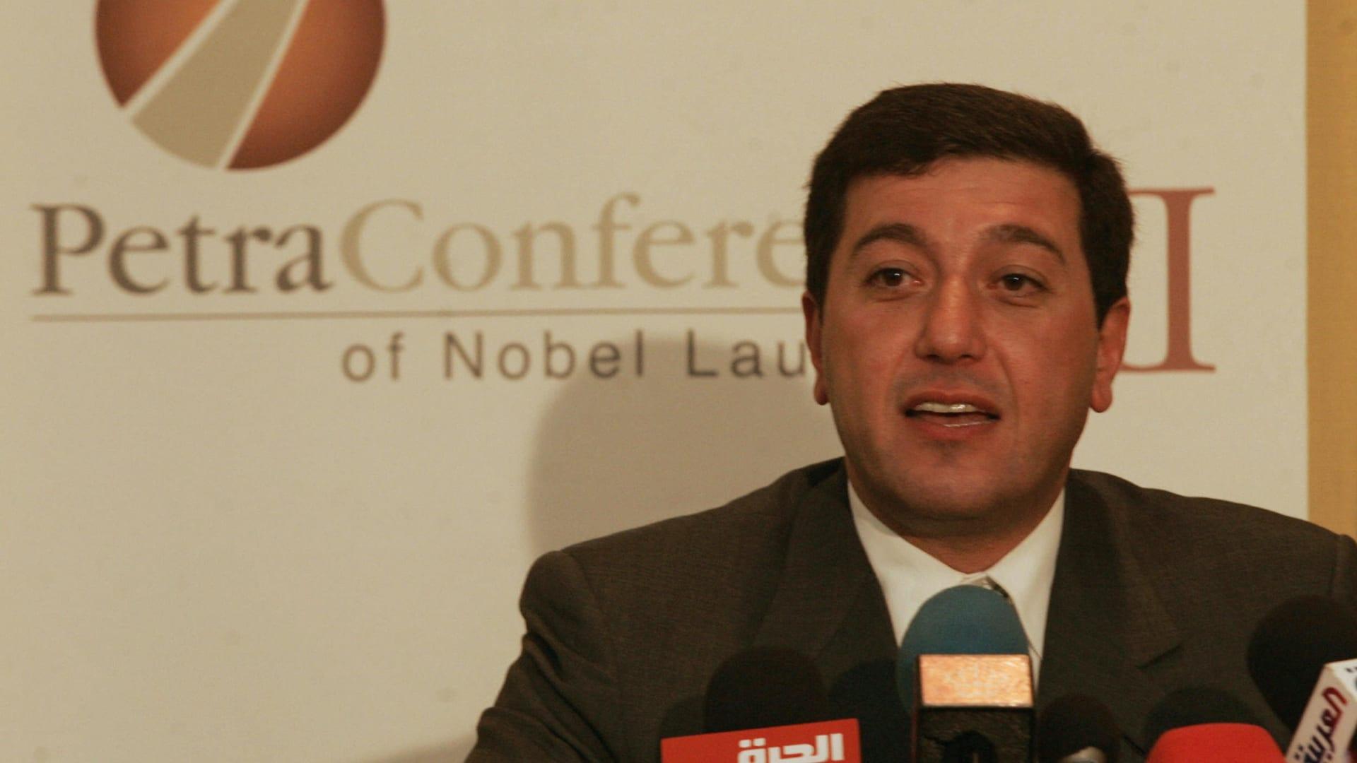 """البنك العربي يقرر تنحية باسم عوض الله من عضوية مجلس إدارته.. ومحاميه: لم يطرأ جديد على ملف قضية """"الفتنة"""""""
