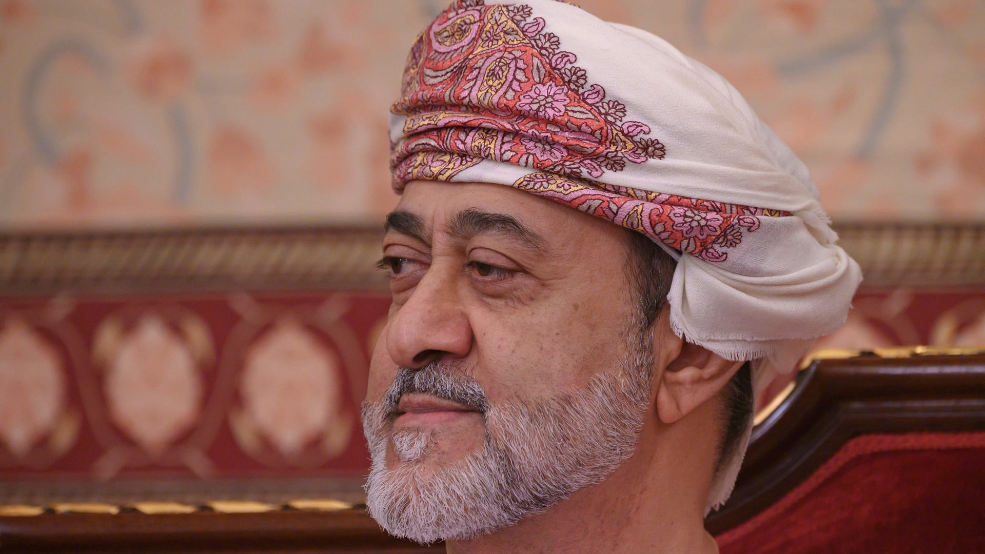 إلى السعودية.. سلطان عُمان يغادر البلاد في أول زيارة خارجية له منذ توليه الحكم