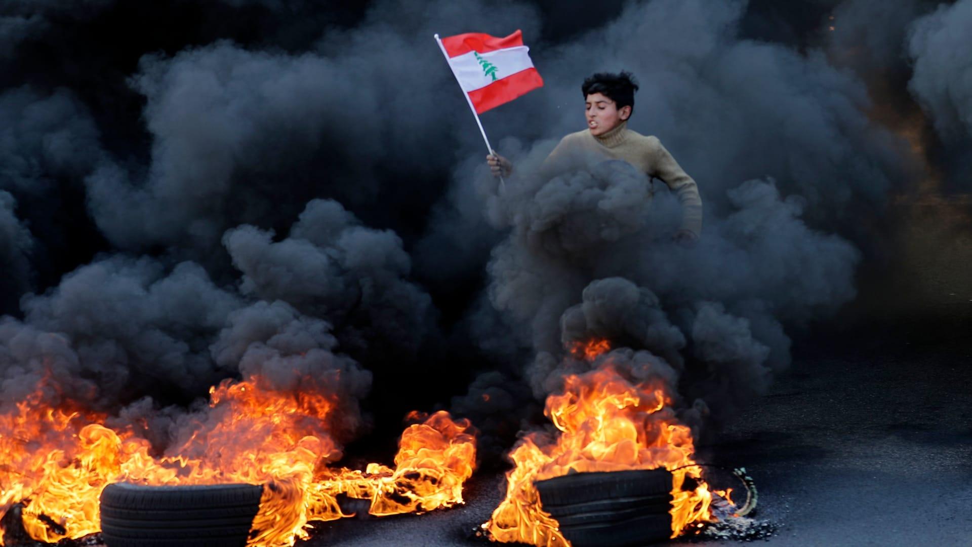 عكار بعد المرفأ.. انفجار خزان محروقات في لبنان يودي بحياة 20 شخصا على الأقل
