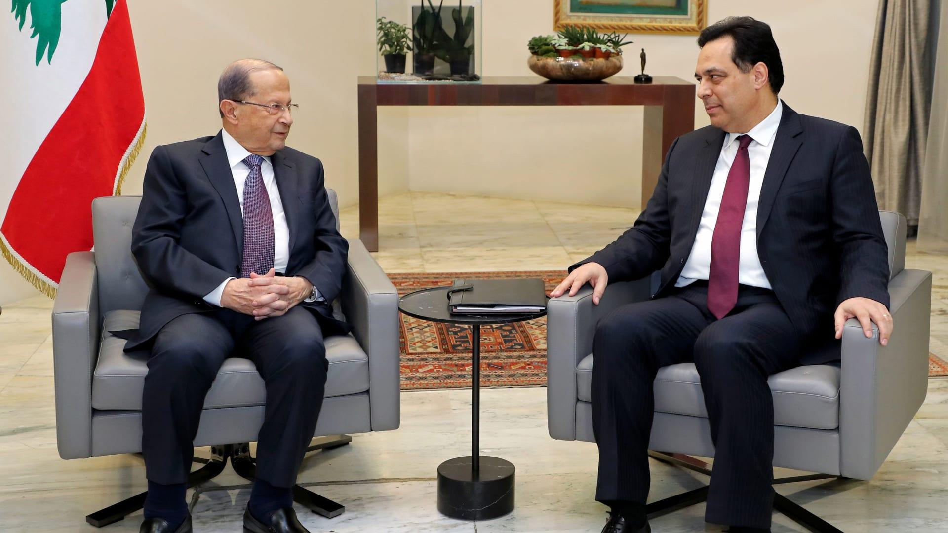 """الرئاسة اللبنانية ترد على تقرير حول """"توبيخ"""" عون لحسان دياب"""