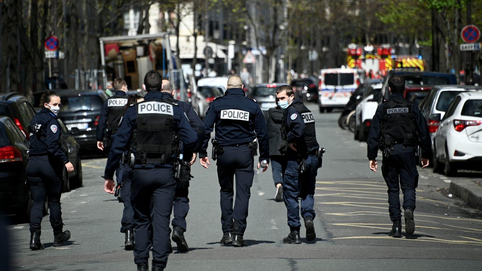 مصدر أمني لـCNN: قتيل ومصاب إثر إطلاق نار أمام مستشفى في باريس.. والشرطة تلاحق الجاني