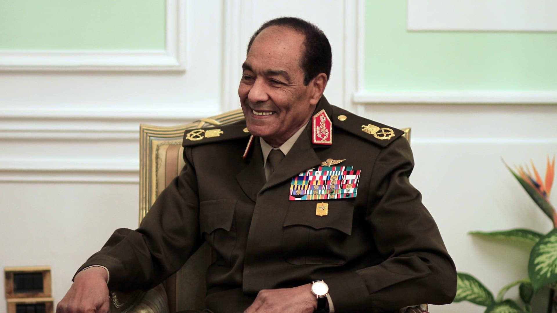 """صاحب المدة الأطول كوزير للدفاع ورجل بصفات """"بطل"""".. من هو محمد حسين طنطاوي؟"""