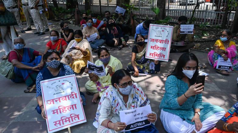 """""""عملية اغتصاب كل 17 دقيقة"""".. حادثة تثير الغضب في الهند"""