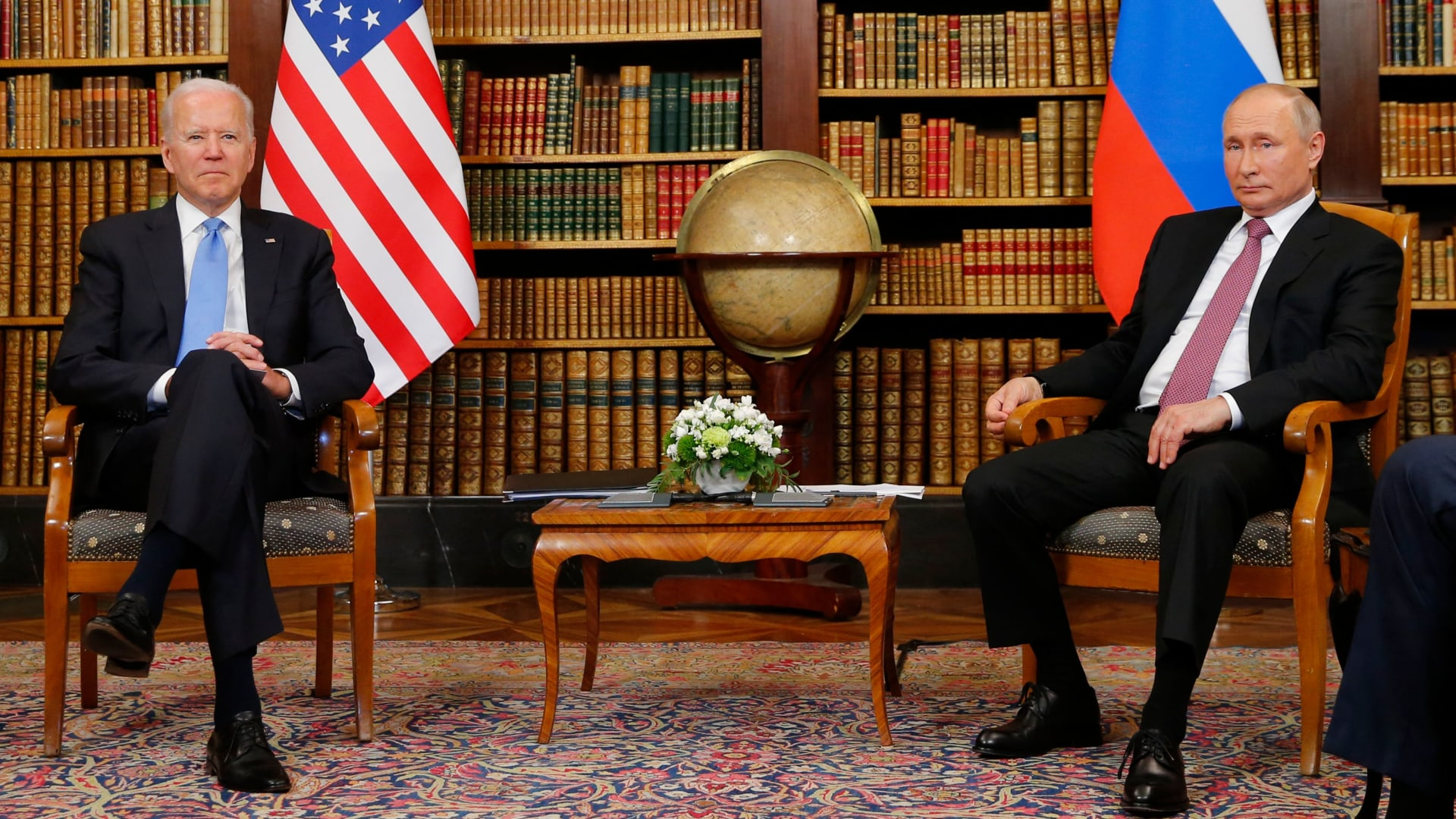 على أرض محايدة.. بايدن وبوتين يعقدان أول قمة رئاسية بينهما