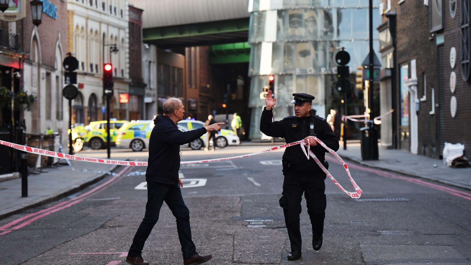 """الشرطة البريطانية: إخلاء محطة """"لندن بريدج"""" بعد بلاغات عن طرد مشبوه"""