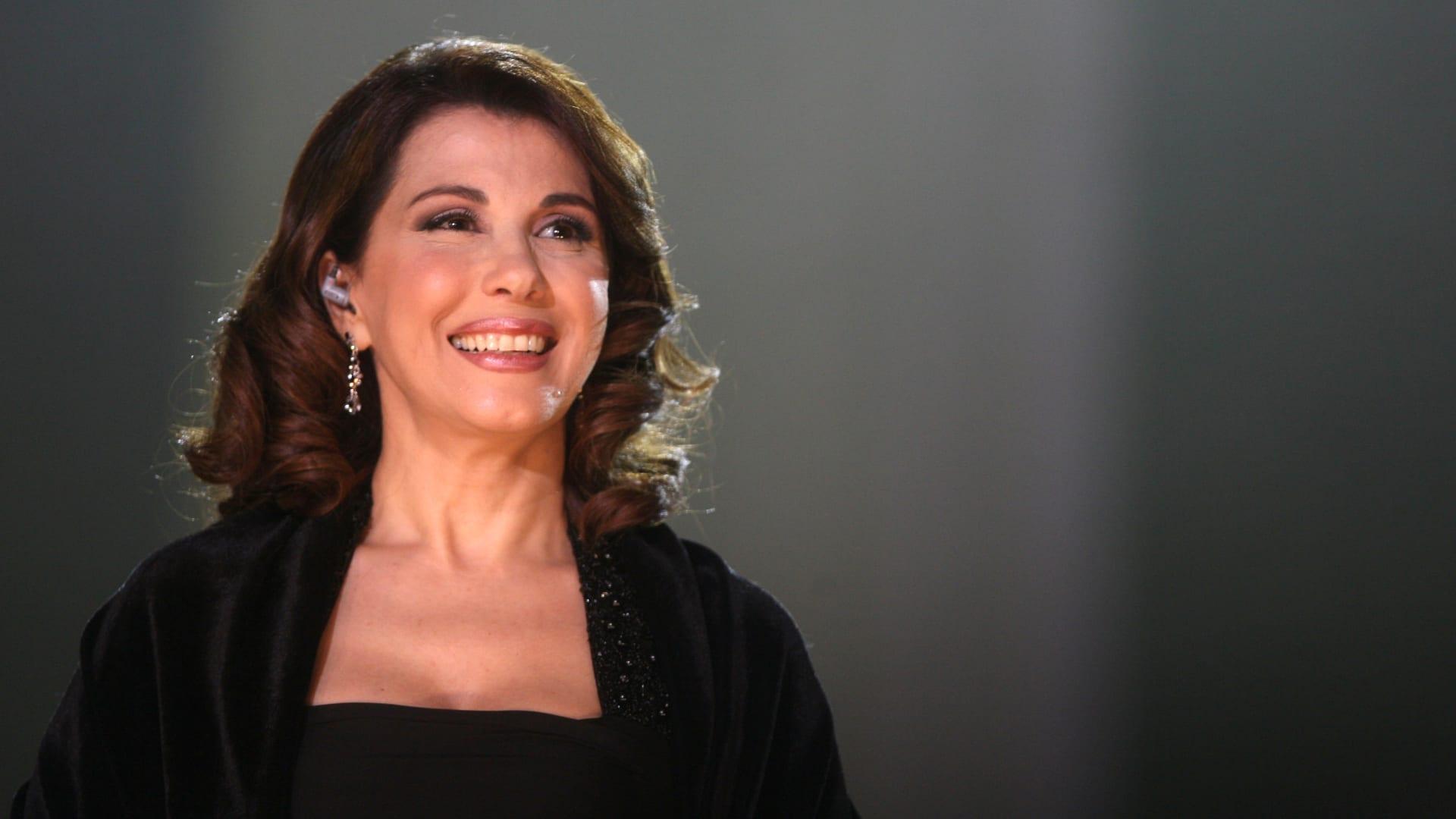 ماجدة الرومي تفقد توازنها على مسرح مهرجان جرش بالأردن.. وتعود لاستكمال الافتتاح