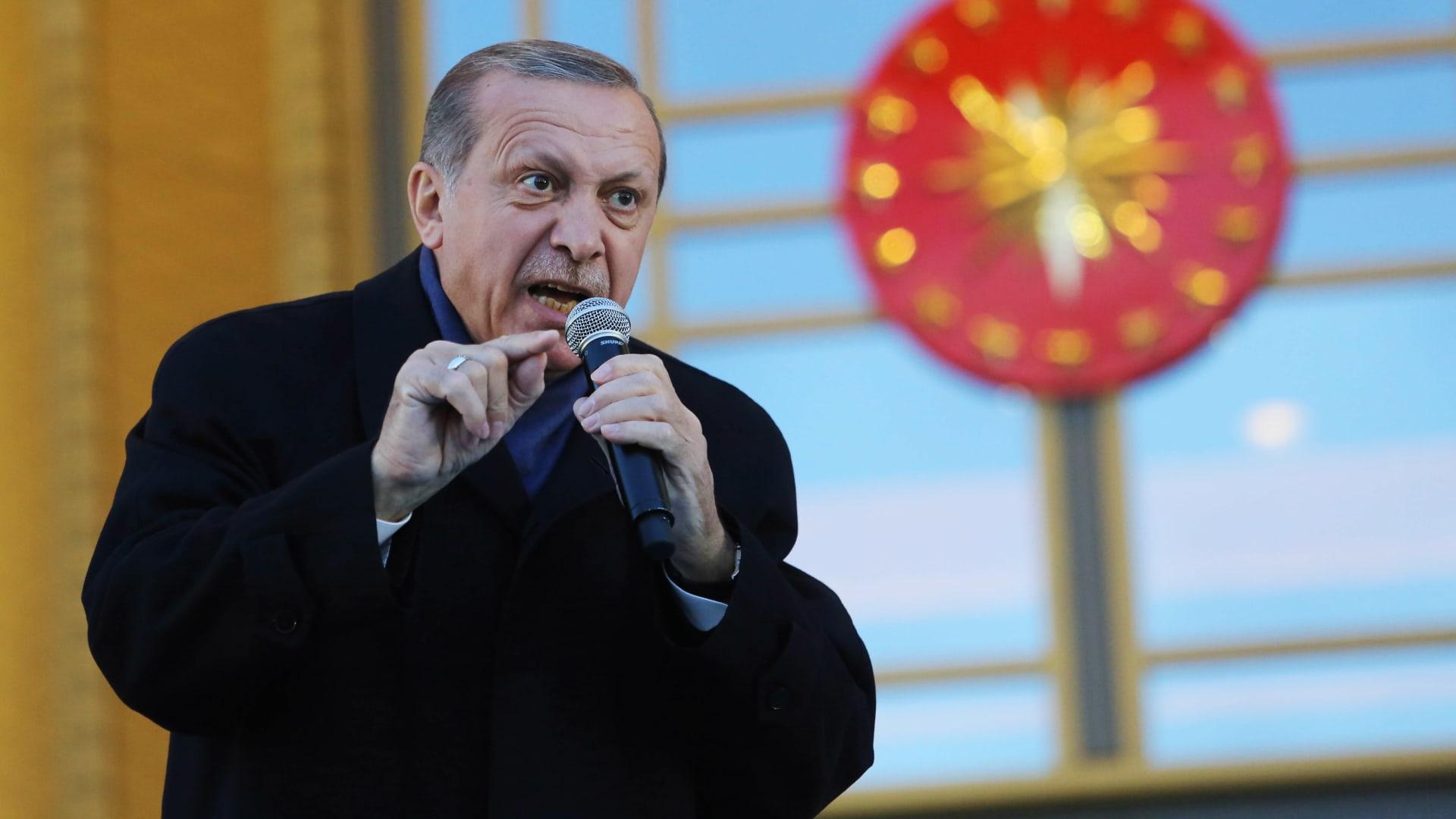 بعد مقتل 13 مواطنا تركيا في العراق.. أردوغان يوجه انتقادات حادة لأمريكا ويهاجم داعمي الإرهاب