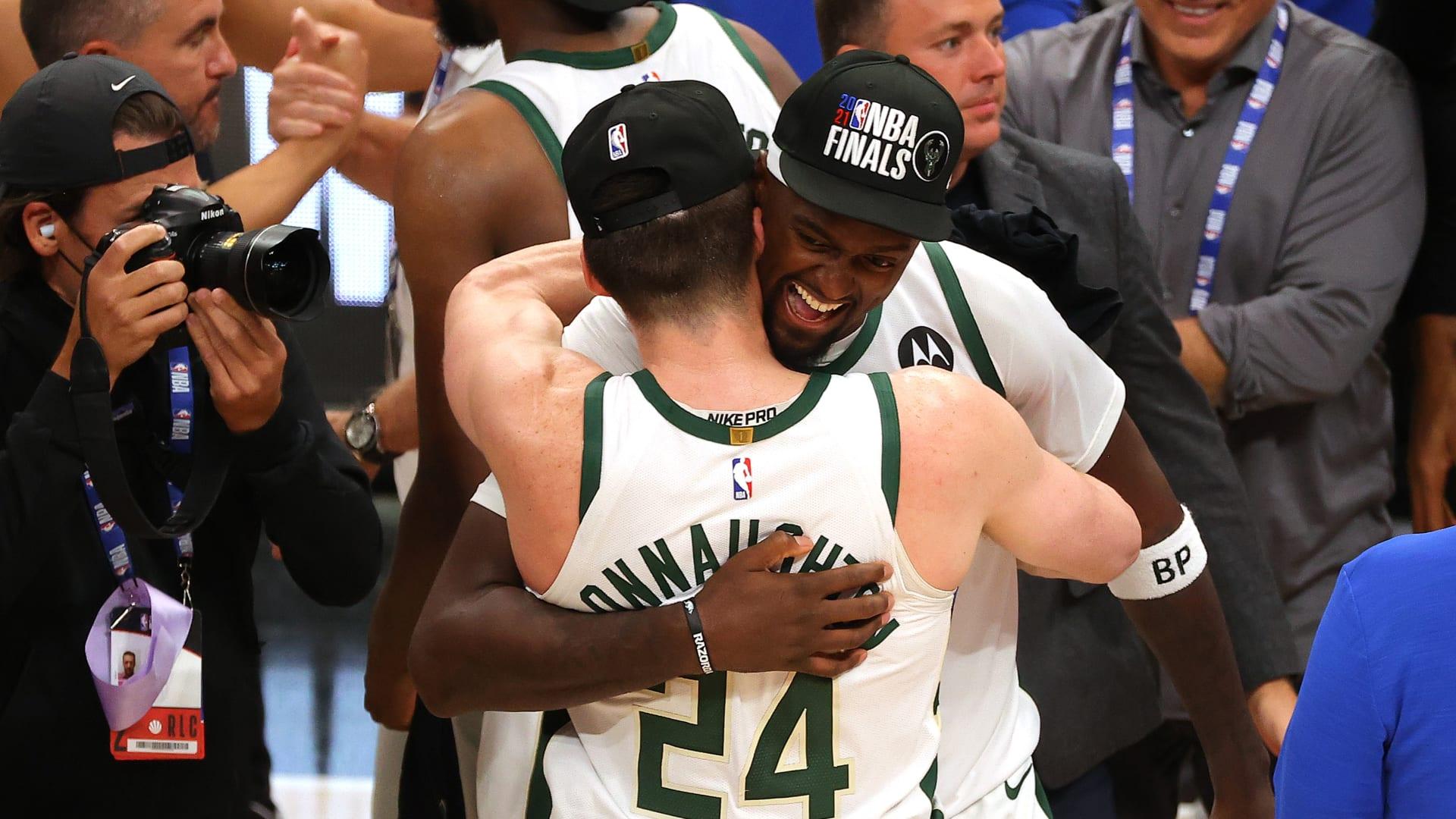 """ميلواكي باكس يصل نهائي الـ""""NBA"""" بعد غياب 47 عاما ويضرب موعدا مع الصنز"""