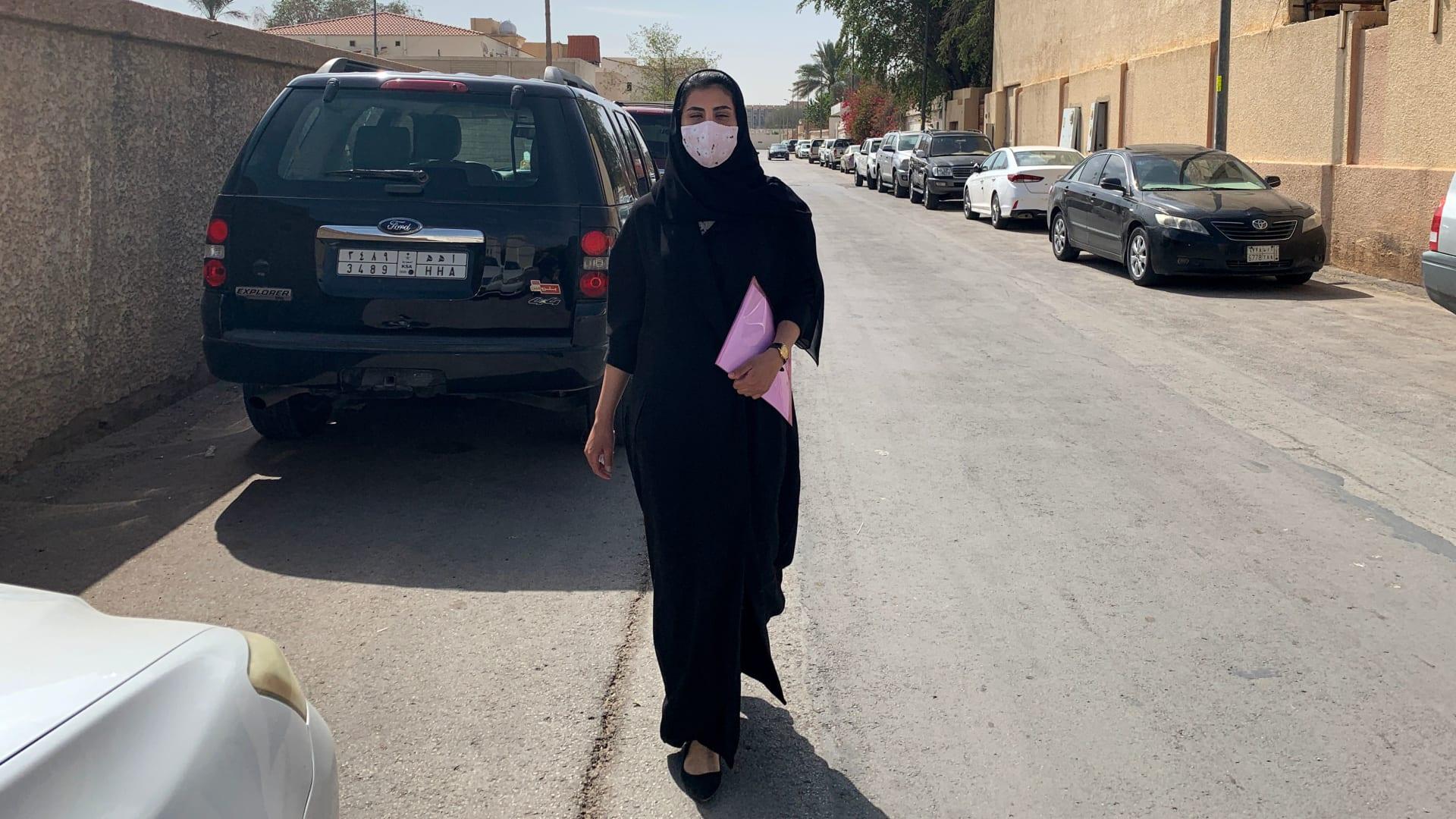 """أسرتها: المباحث السعودية تستدعي لجين الهذلول للتوقيع على """"أمر إبلاغ"""""""