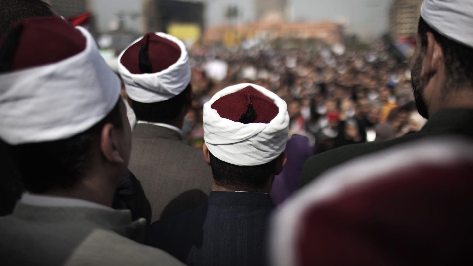 صورة أرشيفية (تعبيرية) لعدد من رجال الدين في مصر