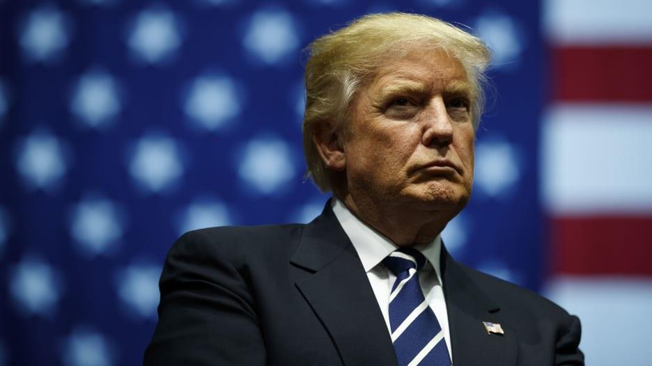 بعد فوز بايدن رسمياً.. ترامب يواصل عدم الاعتراف بهزيمته وعيناه على ولاية ثانية