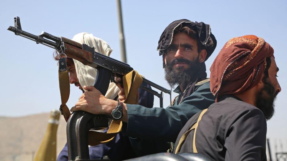 """""""لا أريد أن أقتل على يد طالبان"""": مترجم أفغاني يترك تسجيلاً صوتيًا باكياً"""