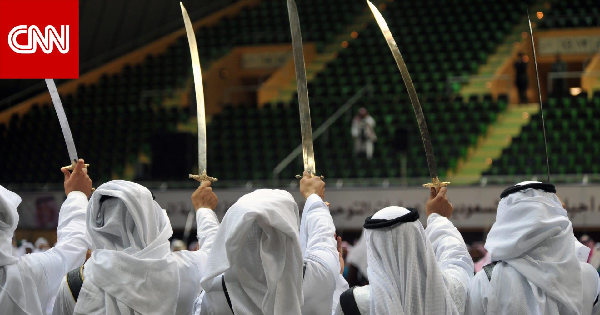 """""""كفو رجال الباحة"""" يتصدر تويتر السعودية بعد محاولة فتاة المشاركة بـ""""العرضة"""""""