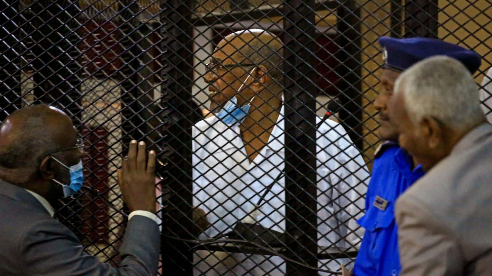 السودان يقرر تسليم البشير للمحكمة الجنائية الدولية