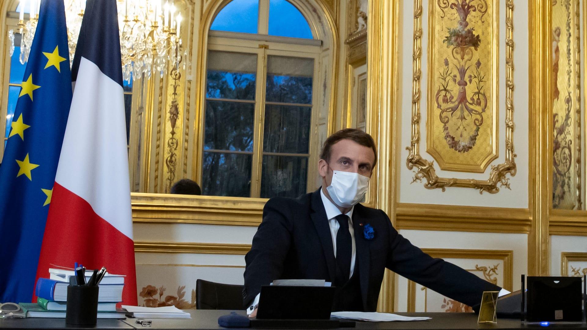 بايدن يؤكد لماكرون التزامه بتعزيز العلاقات مع الناتو وأوروبا.. ويتفقان على العمل معاً