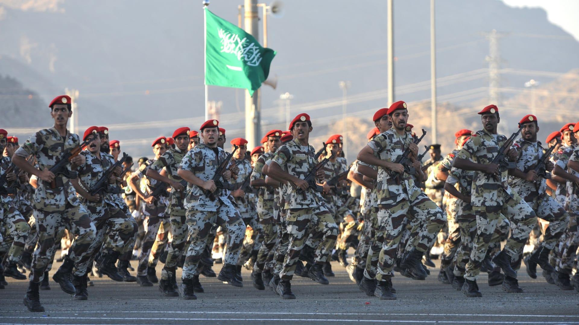"""السعودية.. إعدام 3 من منسوبي وزارة الدفاع بتهمة """"الخيانة العظمى"""" بعد تعاونهم مع العدو"""