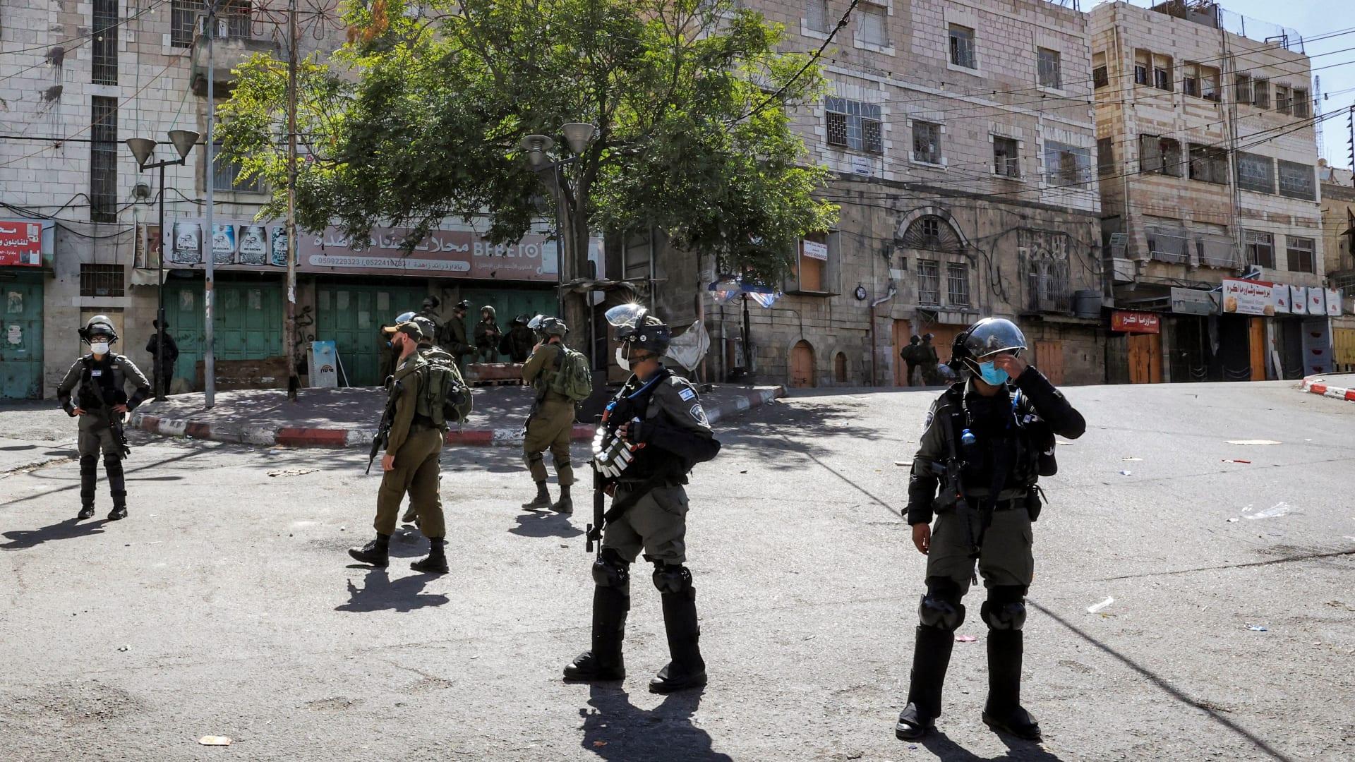 صورة أرشيفية تُظهر جنودًا إسرائيليين من مدينة الخليل بالضفة الغربية - 22 سبتمبر 2021