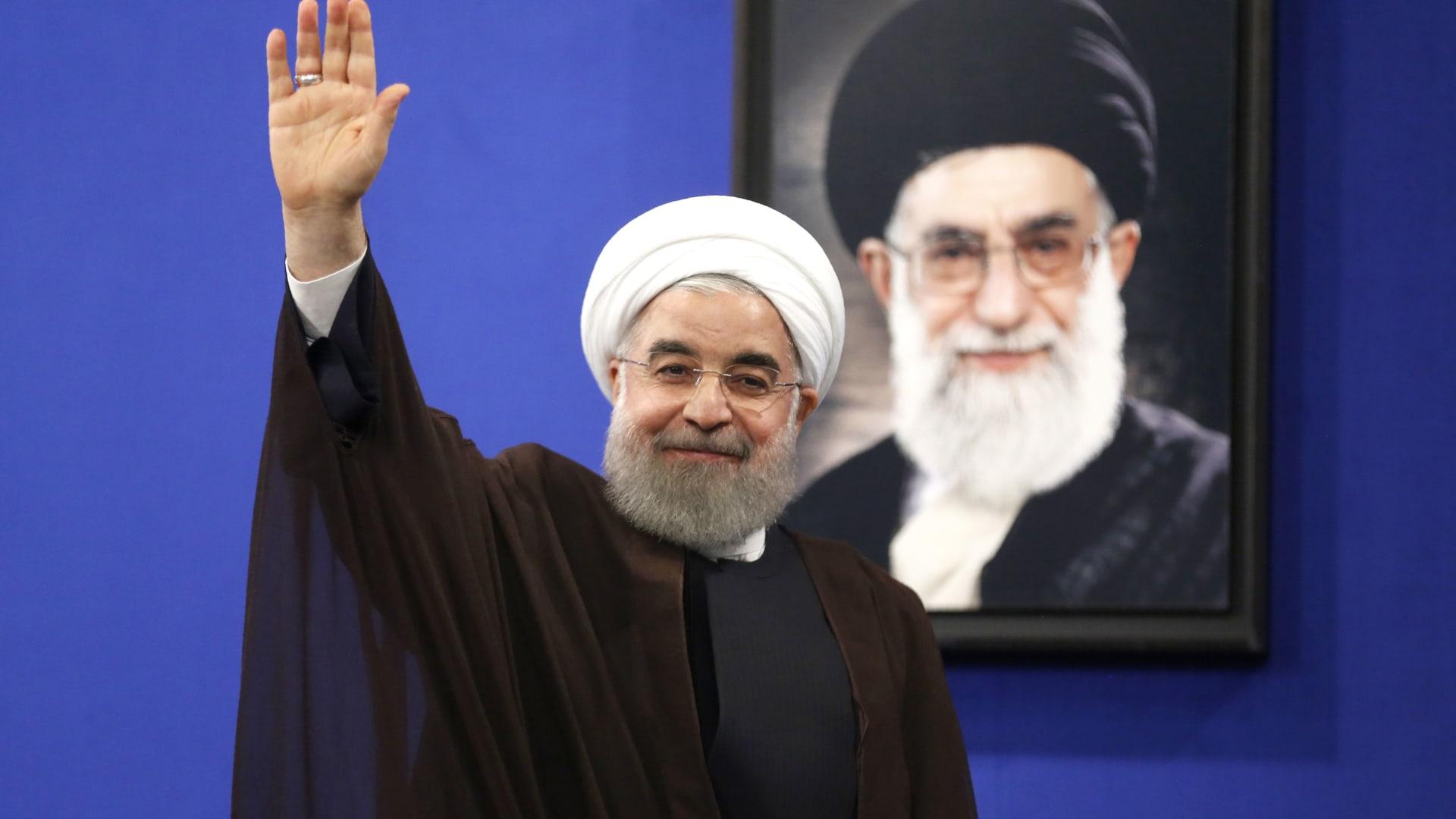 """حسن روحاني يهنئ بشار الأسد على إعادة """"انتخابه"""" رئيسا لسوريا"""