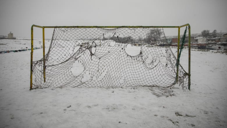 .الثلوج تمنع بلباو من الهبوط في مدريد.. وتحبس لاعبي الريال ساعة ونصف في الطائرة