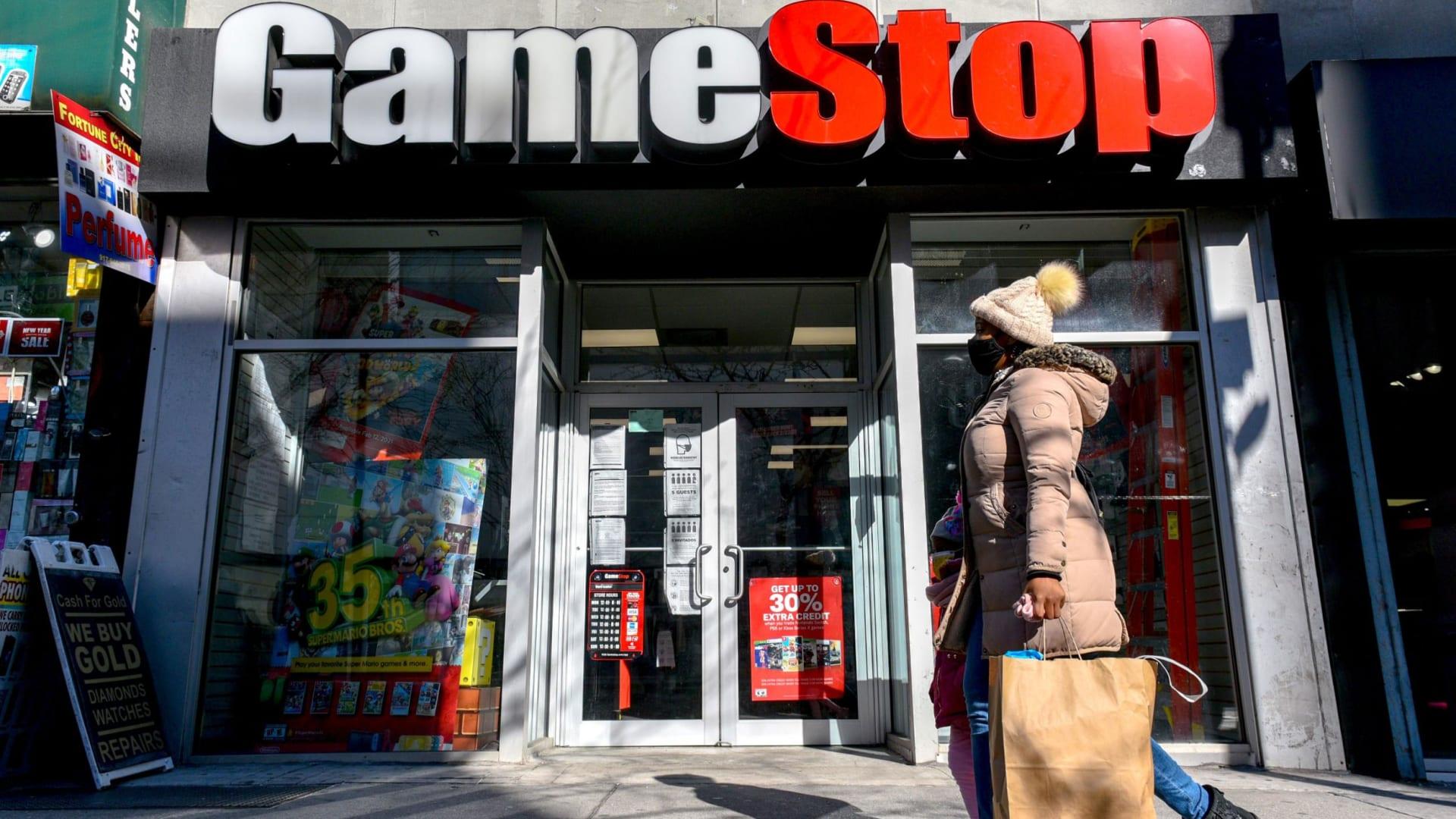 سهم GameStop يرتفع مجدداً بـ67٪ بعد يوم من تضاعفه