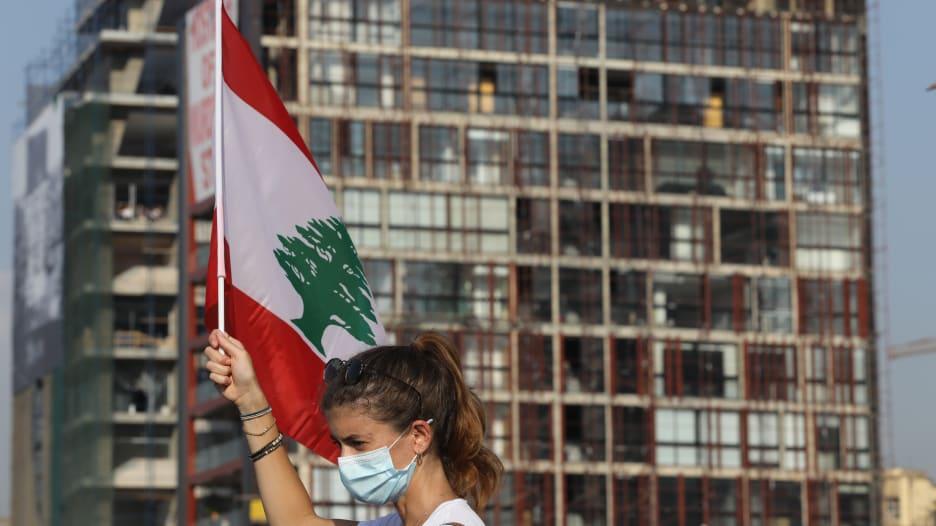 ماضي أزمات لبنان وسط دعوات دولية لإصلاحات بعد انفجار مرفأ بيروت