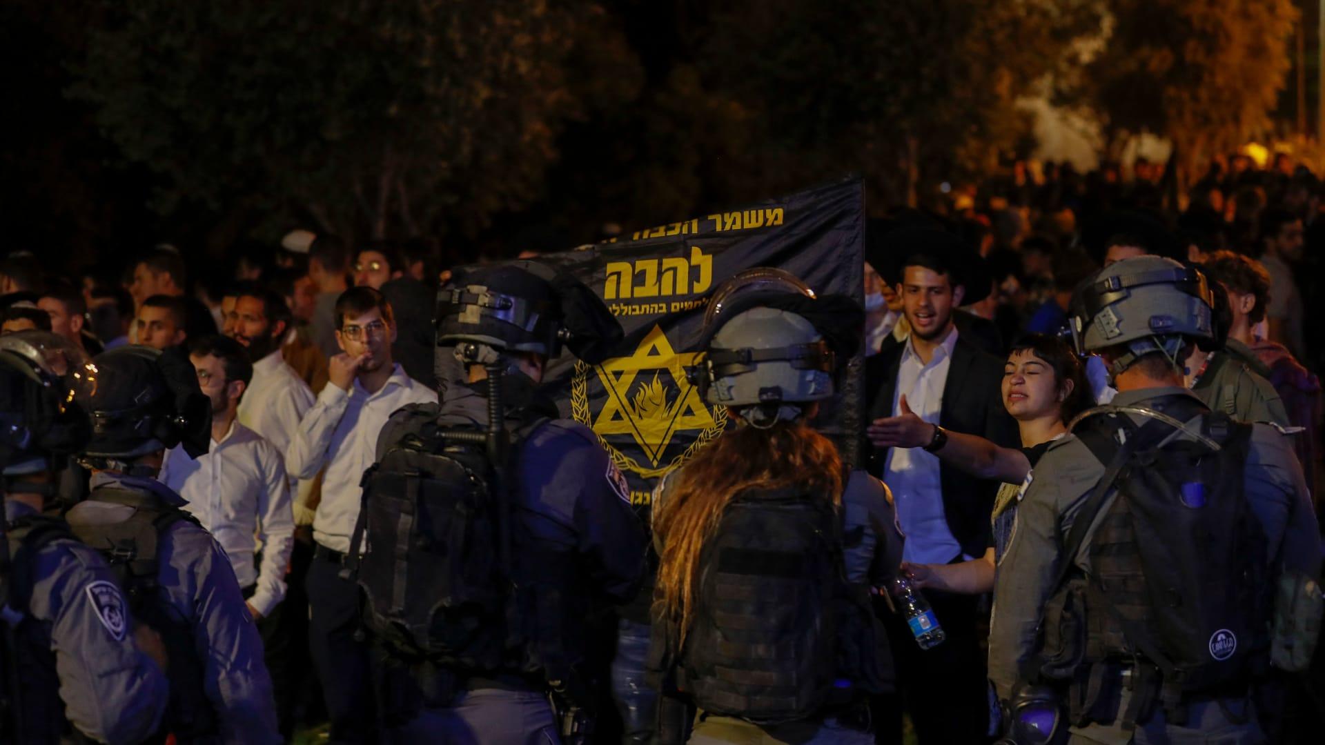 اشتباكات بين فلسطينيين والشرطة الإسرائيلية في القدس
