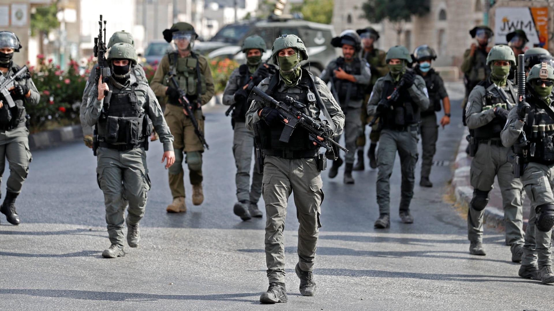 شاهد.. لحظة اعتقال زكريا زبيدي ومحمود العارضة بعد هروبهما من سجن جلبوع