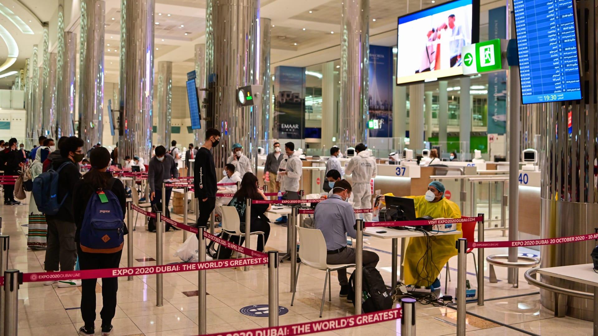 مطارات دبي تعلن انخفاض حركة المسافرين بنسبة 70٪ في 2020