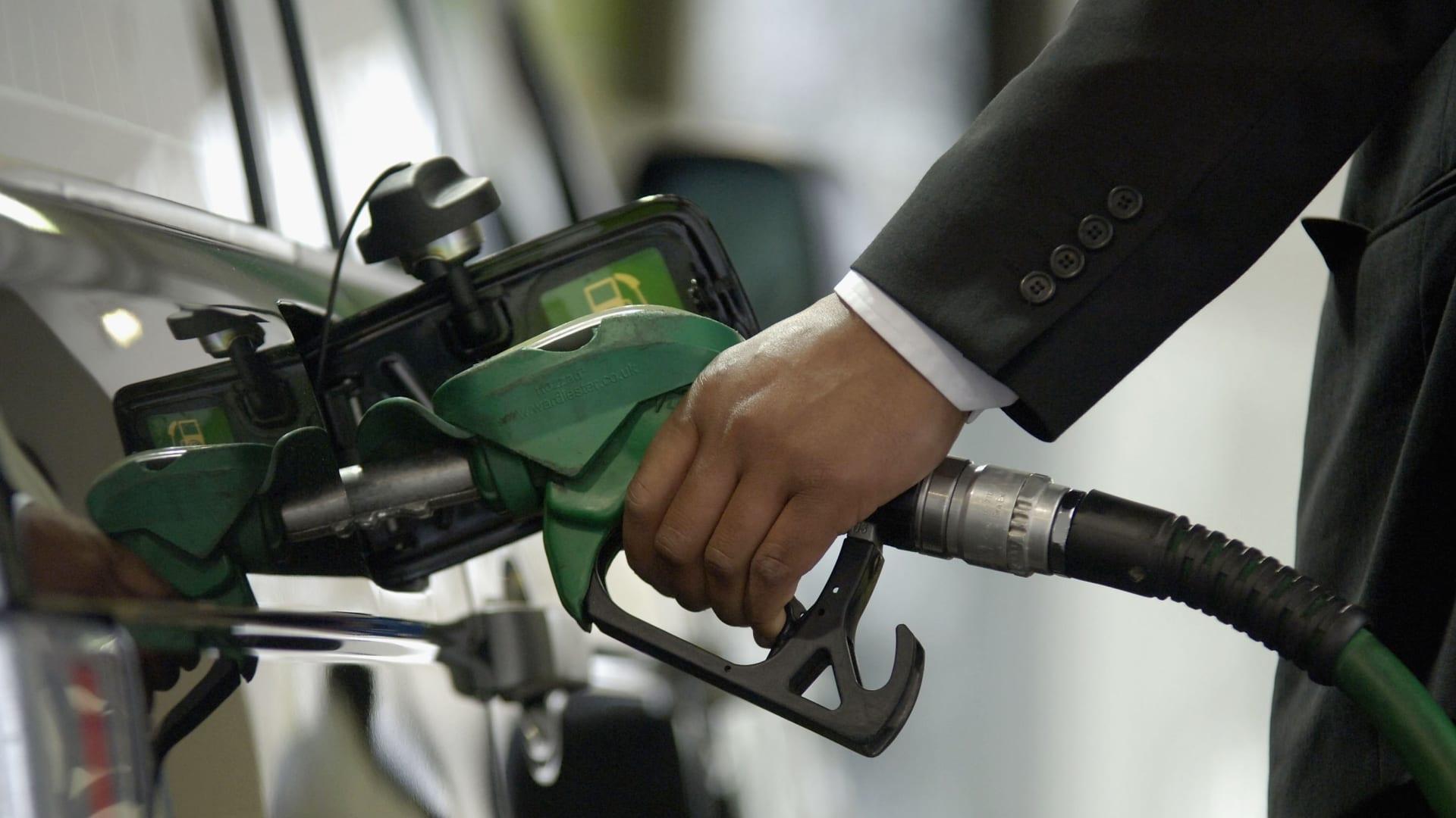 المملكة المتحدة تواجه أزمة وقود.. وهذه هي الأضرار