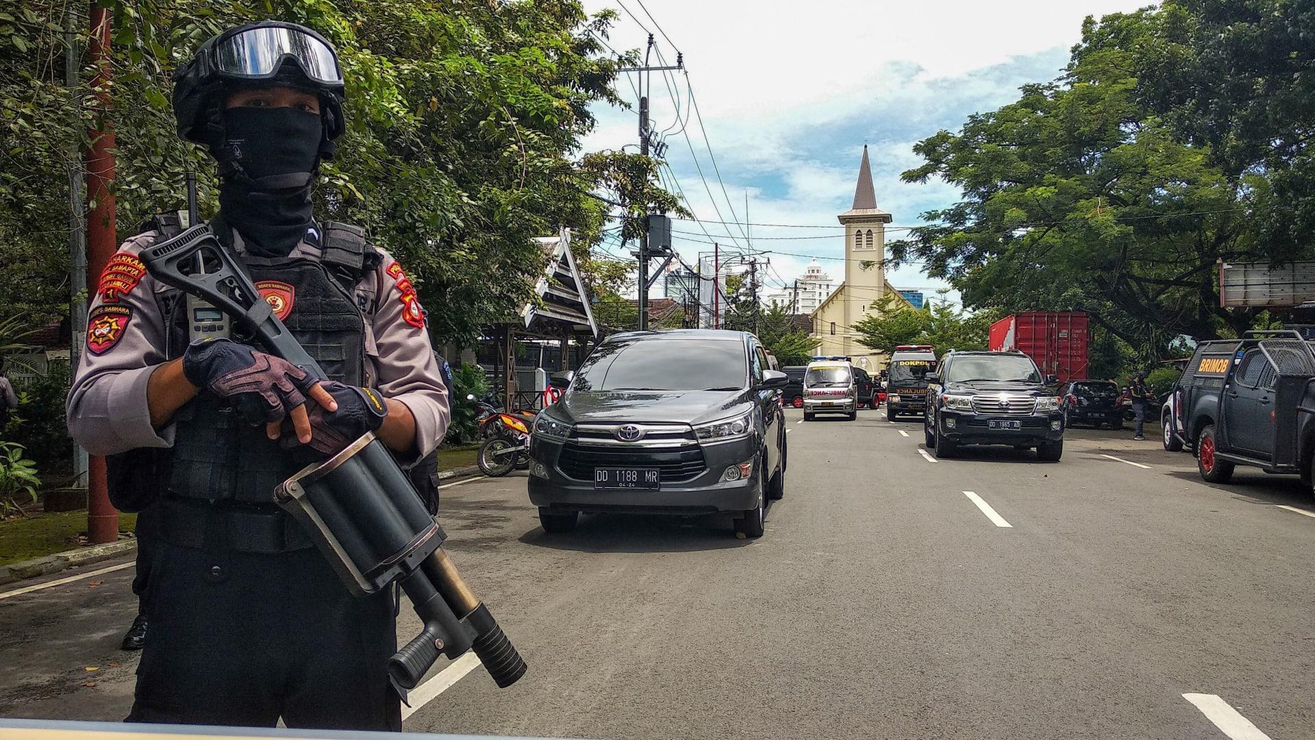 إصابات في انفجار خارج كنيسة كاثوليكية في إندونيسيا