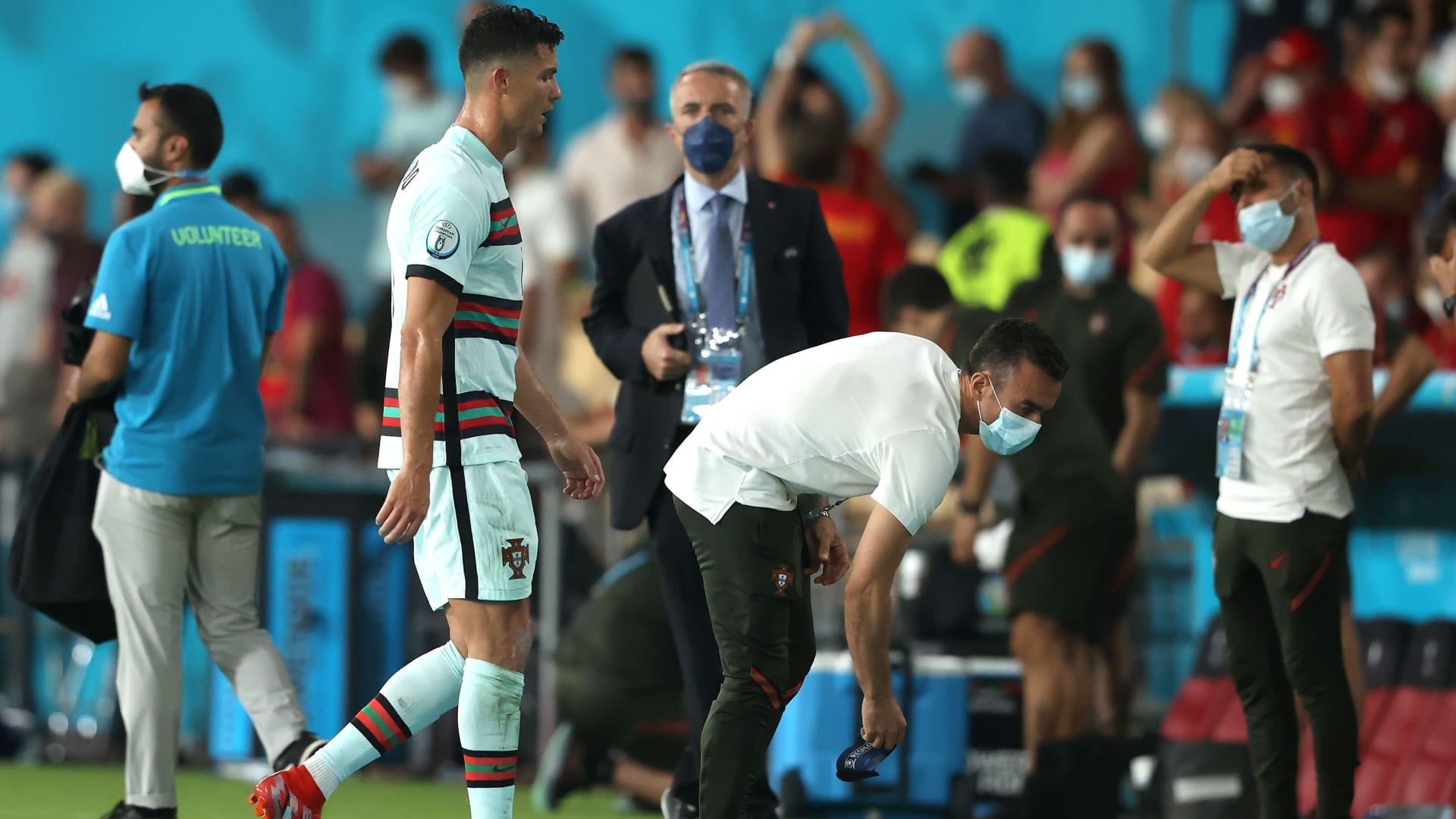 للمرة الثانية منذ 4 أشهر.. رونالدو يشعل غضب مشجعي البرتغال بعد الخسارة أمام بلجيكا