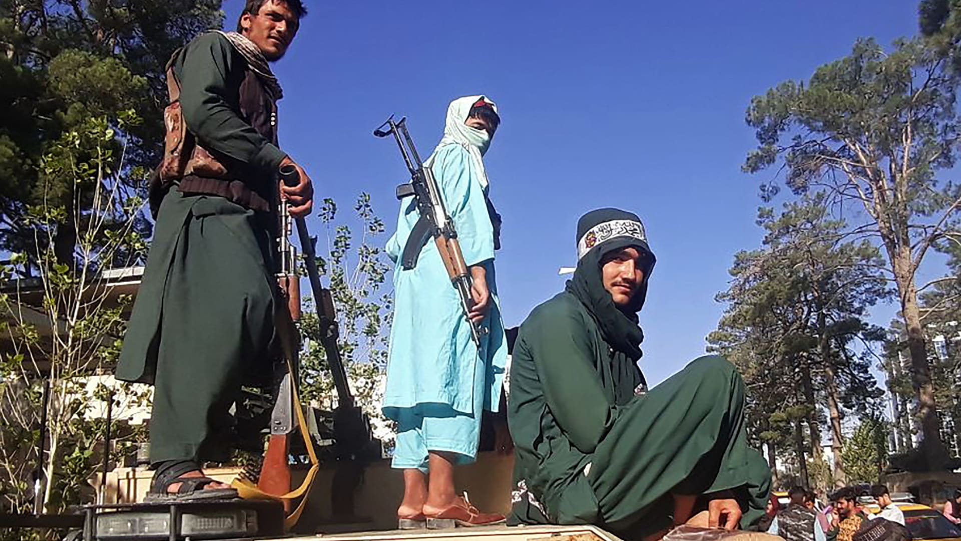 مقاتلو طالبان في مدينة هرات ثالث أكبر مدن أفغانستان
