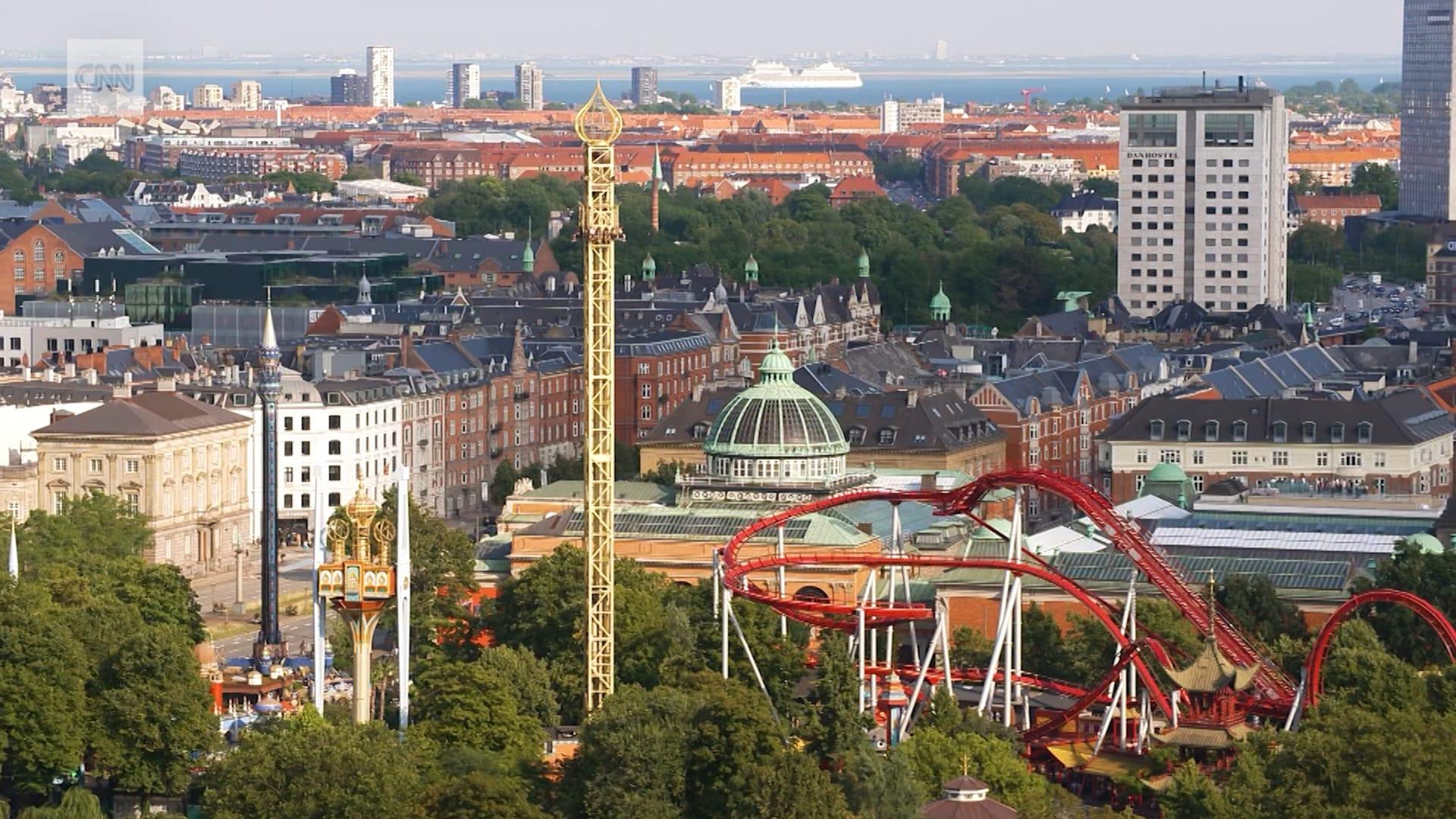 """رحلة بصحبة """"كنز وطني"""".. استكشف روح الدعابة في كوبنهاغن بالدنمارك"""
